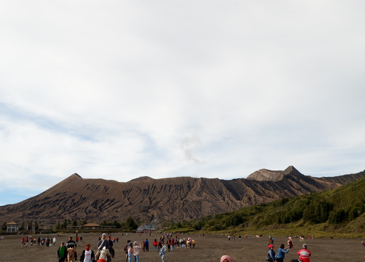 Mount Bromo and The Essentials (BahasaIndonesia)