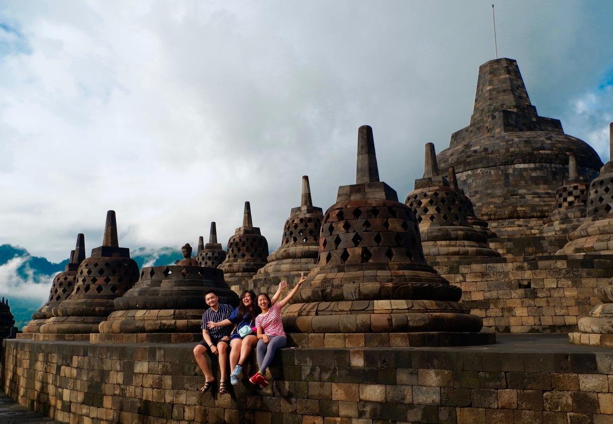 Candi Borobudur: Nyari Sunrise, DapatnyaPelangi